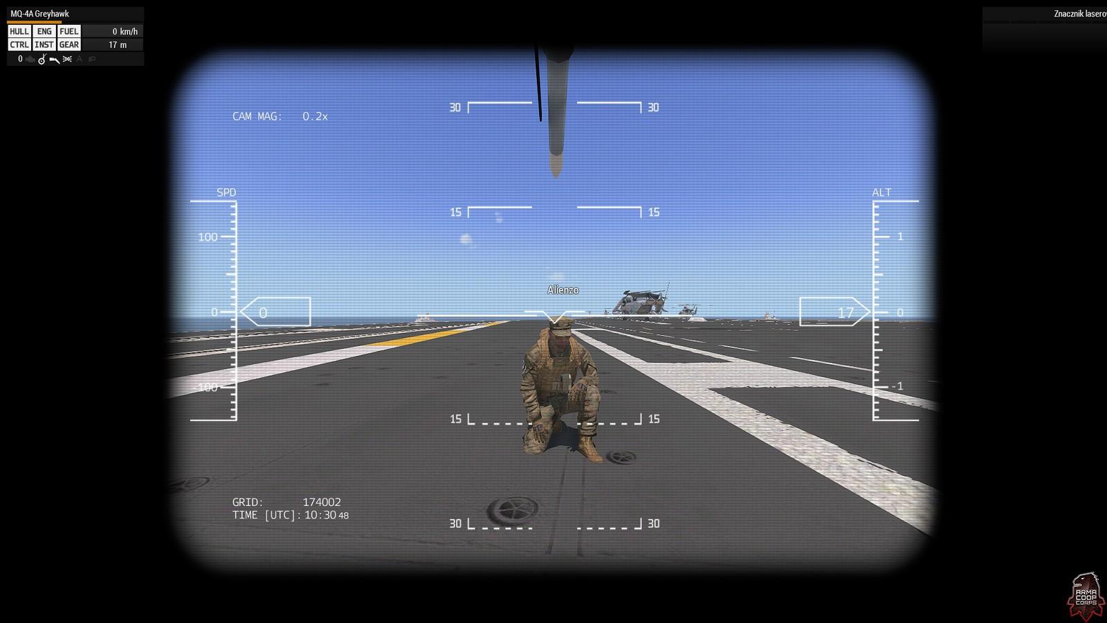 Nasz dowódca ustawił się do zdjęcia z drona