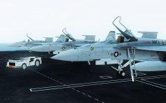 Lotniskowiec i Hornety 5